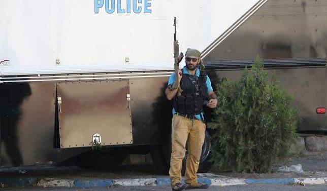 Armed men who seized Armenian police station surrender